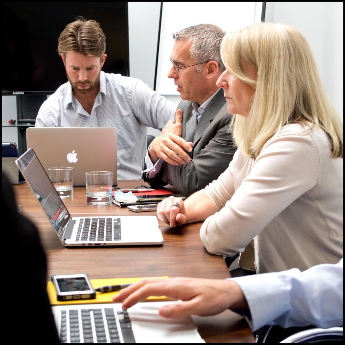 Board-meeting-Sandra-Sergeant-Photography-Basingstoke-Photographer