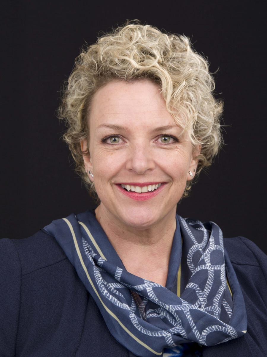 Karen-Sandra-Sergeant-Photography-Head-shots-Basingstoke-Portrait-Photographer