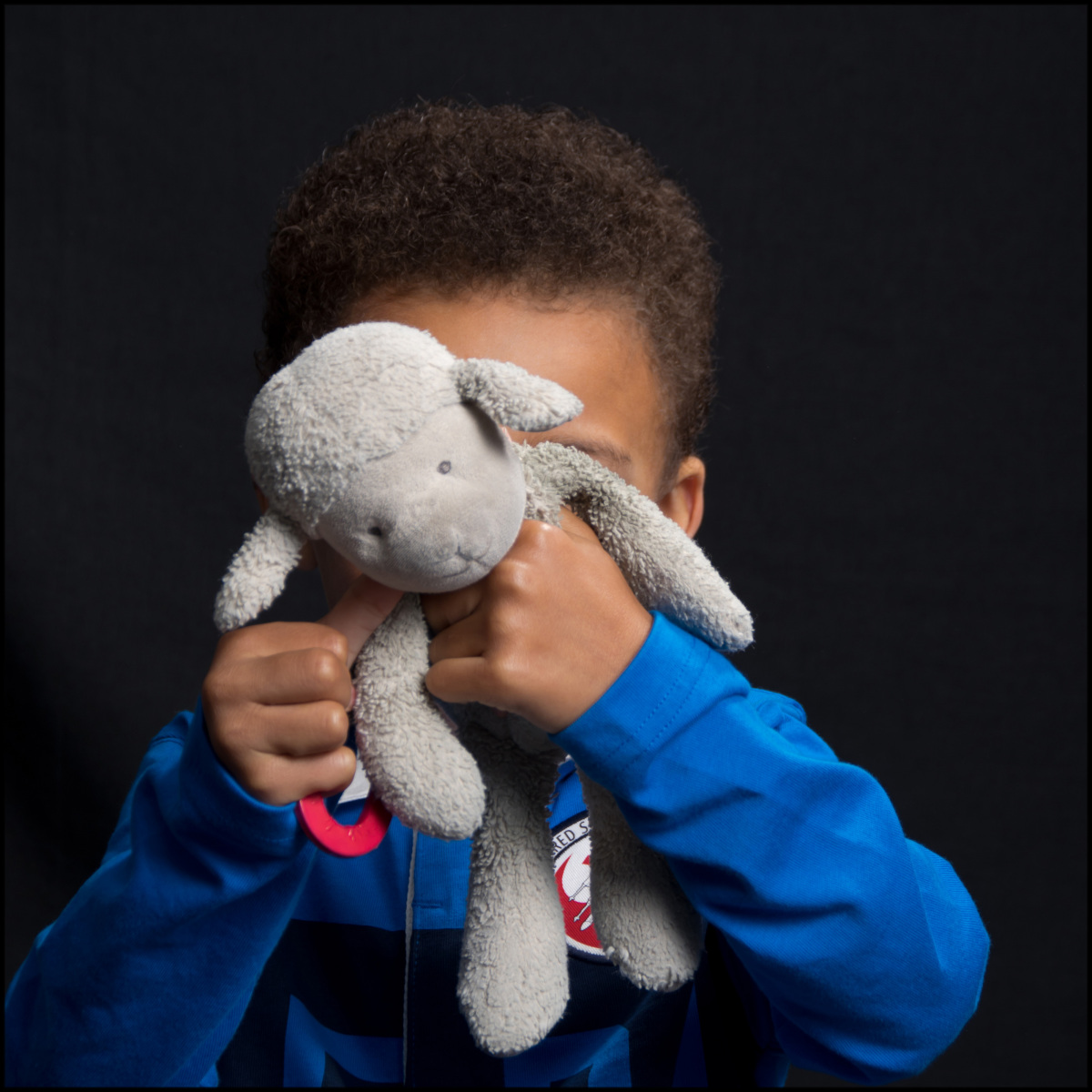 Dont-be-shy-Sandra-Sergeant-Schools-Nursery-Photographer-Basingstoke